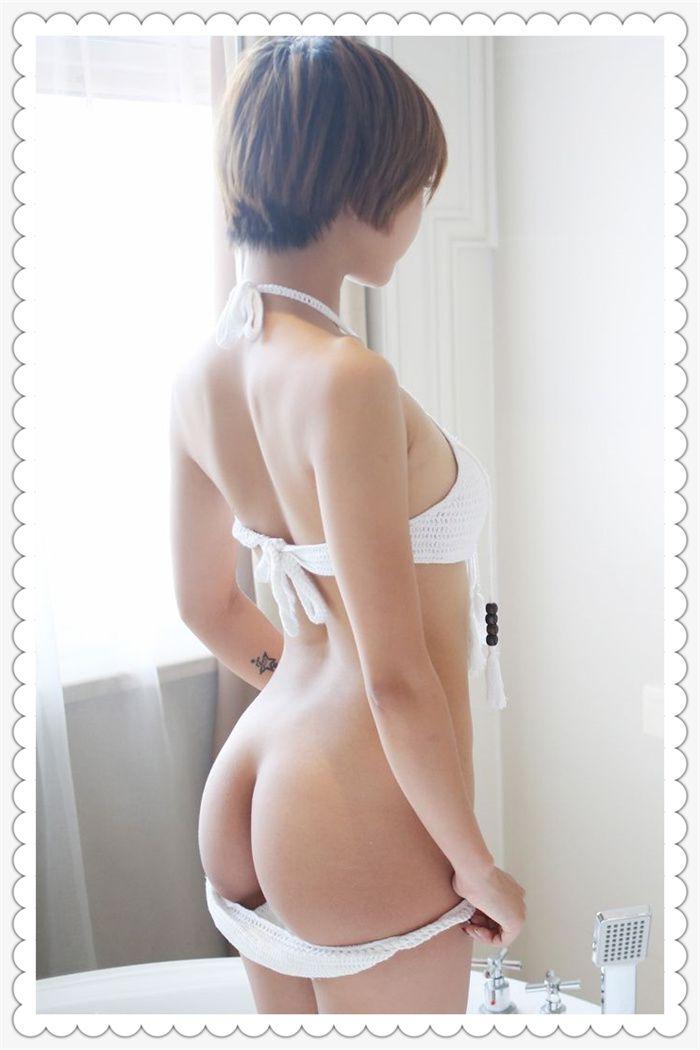 诱人的女孩浴室秀性感身材,脱丁字裤露白嫩美臀写真集
